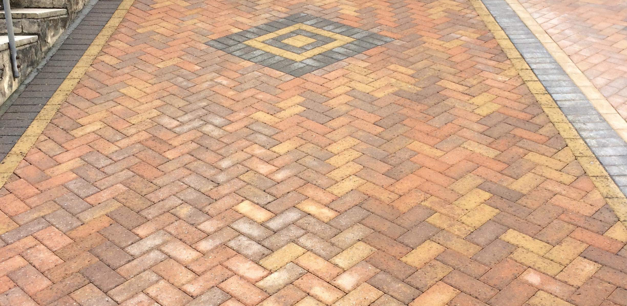 Block paving, cleaning / re-sand and sealing service in Plymouth